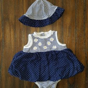 Little Me infant girl outfit. Size 9 months